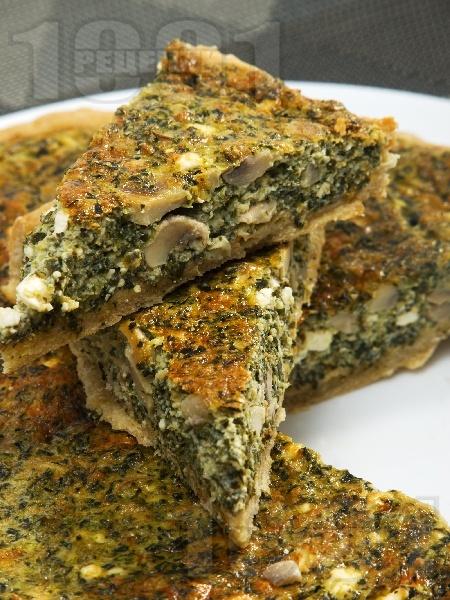 Киш с плънка от гъби, спанак, яйца, сирене, пресен лук и сметана - снимка на рецептата